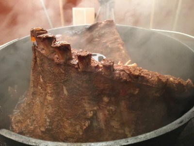 Beer Steamed Dutch Oven Ribs